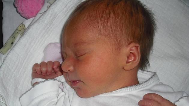 Simonka Šerclová. Narodila se 16.června v jablonecké porodnici mamince Denise Vonešové z Velkých Hamrů. Vážila 2,76 kg a měřila 47 cm.