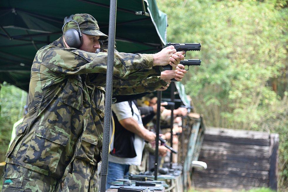 Střelecká soutěž v Jenišovicích.