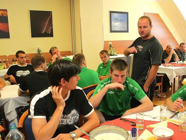 Hráči pražské Bohemians využili sportovní areál Břízky pro své letní soustředění.