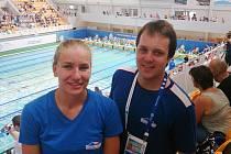 Tereza Grusová a její trenér Štěpán Matek už mají za sebou nejen stovky kilometrů v bazénu, ale i vynikající úspěchy.