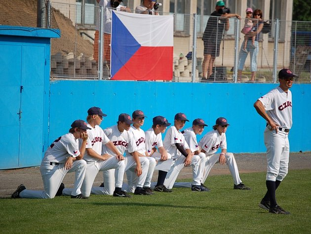 Český tým ještě před tím než byl zahájen jejich úvodní zápas proti Německu.