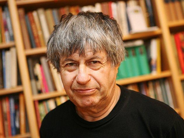 Český prozaik, dramatik a publicista Ivan Klíma.