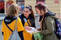 Dvacátý první ročník Českého dne proti rakovině je znám zejména pro své typické žluté kytičky. Ty se prodávaly i v Jablonci nad Nisou.