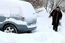 Předpovědi meteorologů se vyplnily. Přišly kalamitní přívaly sněhu.