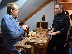Výstava Z voňavého polínka v Domě Jany a Josefa V. Scheybalových v Jablonci nad Nisou