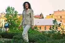 Na schodech jabloneckého hotelu Rehavital představil Petr Beneš nejen své tradiční pánské obleky, ale celou kolekci oblečení pro ženy.