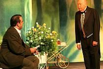Divadlo na Jezerce hostuje v Charleyovou tetou v pátek v jabloneckém Městském divadle.