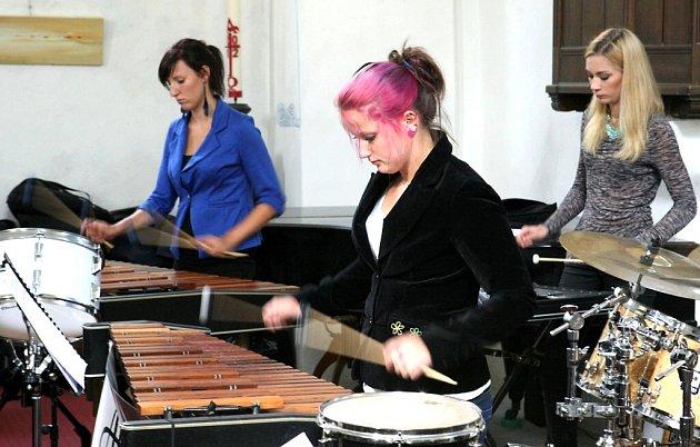 Liberecký soubor bicích nástrojů ARIES koncertoval v kostele Povýšení sv. Kříže v Jablonci nad Nisou.