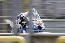 Cítil se ujíždějící motorkář jako jezdci GP?