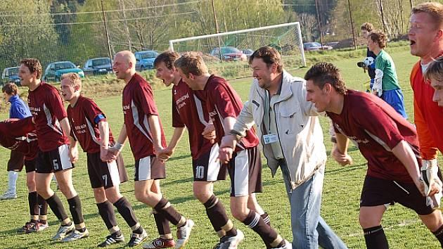 Lučany - Sedmihorky 2:1 (1:1), čtvrtfinále poháru ČMFS, branky vítězů dali Michal Bělohlávek a Michal Dítě