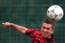 Fotbalista Desné René Šimek zahájí přípravu na sezonu až po úplném uzdravení.