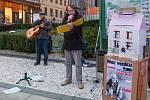 V Jablonci nad Nisou se konal první ročník zážitkové akce Noc venku, která přiblížila široké veřejnosti život na ulici. Akce se zúčastnilo mnoho organizací, které se o problematiku bezdomovectví zajímají.