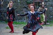 Další prázdninová akce na zpestření programu, Čerti na Troskách, pokračovala 6. srpna na hradě Trosky na Semilsku. Návštěvníci mohli vidět ukázky pekelných řemesel, čertovské divadlo, tance u pekelných ohňů, čertovskou kapelu nebo kejklíře.