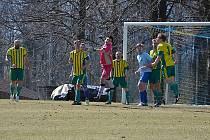 Třetí jarní kolo 1. A třídy LK zavedlo fotbalisty FC Pěnčín na hřiště v Krásné Studánce.