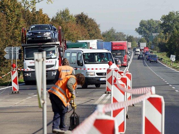 Oprava silnice - ilustrační snímek