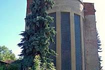 Bývalý internát v Plavech.