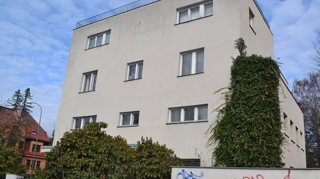 Do popředí zájmu některých zastupitelů se ovšem dostala hlavně Kantorova vila, která stojí na rušné křižovatce ulic Palackého a U přehrady.