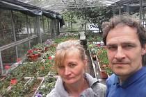 Jiří Mark se svojí ženou Šárkou v Zahradnictví u Vavřichů na Frýdštejně.