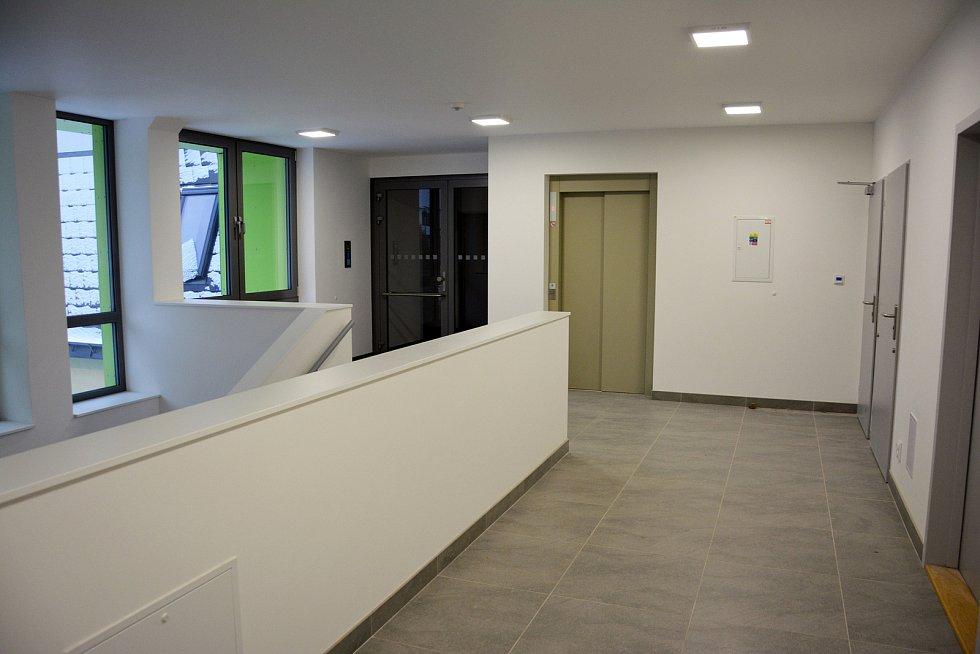 Nové byty nad Mateřskou školou na Malé Skále.