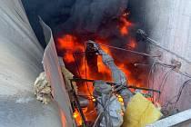 Požár zbytkového mazutu.