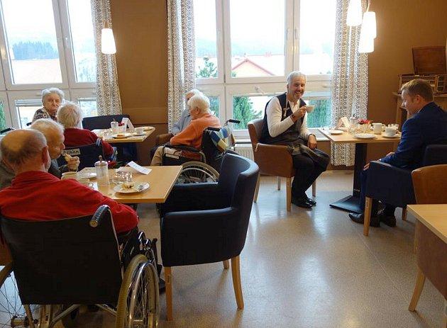 Senioři zDomova důchodců ve Velkých Hamrech dostanou vBabiččině kavárně kávu zdarma