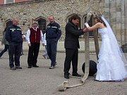 Sbor dobrovolných hasičů Malá Skála. Hasičská svatba.