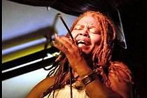 Vynikající americká černošská blues & soulová zpěvačka Sharon Lewis.