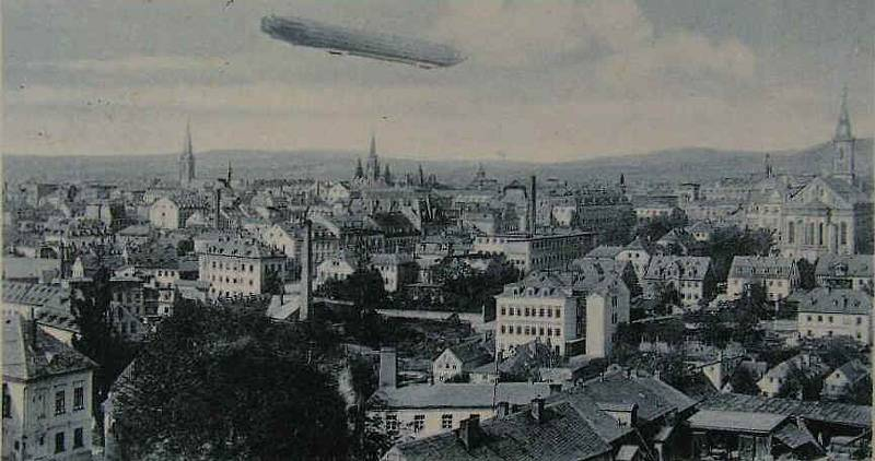 Vzducholoď nad Libercem v roce 1913.