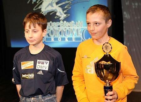 Družstva mládež 1. místo LSK Lomnice nad Popelkou - skok na lyžích.