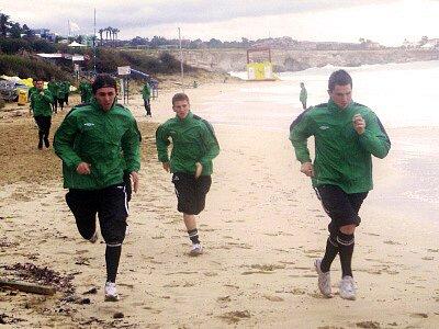 Jablonec na Kypru, trénink úterý, zleva Josef Hamous, Muris Mešanovič a Pavel Eliáš.