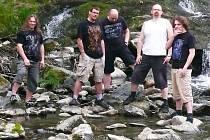 F.A. King - zleva: Vlastislav Urban (baskytara), Aleš Petráček (zpěv), Petr macek (bicí), Lukáš Šefr (zpěv, Tomáš Holý (kytara).