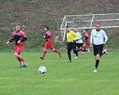Utkání Plavů (v červeném) proti týmu Lučan