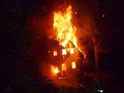 Požár domu v Polubném.