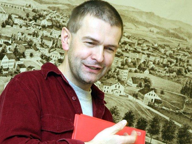 Ředitel jabloneckého Státního okresního archivu Jan Kašpar