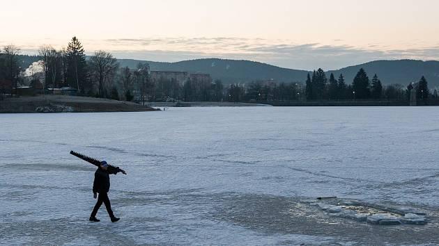Jablonecká přehrada Mšeno, ilustrační foto.
