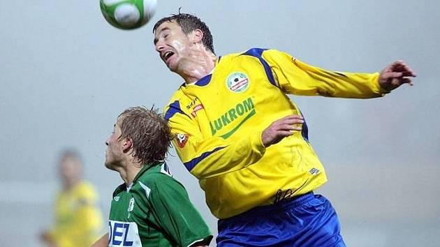 V osmifinále poháru ČFMS se za deštivého počasí před návštěvou necelých 400 diváků střetl FK Baumit Jablonec a FC Tescoma Zlín. Hosté v prvním poločase získali dvoubrankový náskok, který domácí v druhé půli zkorigovali brankou kapitána.