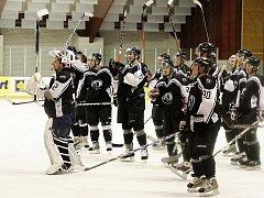 Českolipští Predátoři porazili v dalším kole druhé hokejové ligy HC VLCI Jablonec nad Nisou 5:4.