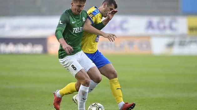 Úspěšný střelec jednoho z jabloneckých gólů Lukáš Masopust (vlevo).