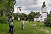 Z natáčení medailonku z obce Křížlice, který byl v rámci koncertu promítnut.
