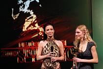 Bez účasti nejlepších sportovních hvězd proběhlo ve středu večer v Městském divadle v Jablonci slavnostní vyhlášení ankety Nejúspěšnější sportovec Jablonecka za rok 2008. Na snímku vítězka kategorie jednotlivci mládež atletka Petra Kuříková.