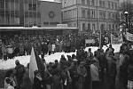 V Železném Brodě na Jablonecku se konala generální stávka 27. listopadu. Náměstí 3. května bylo ten den zcela zaplněné, protestovali pracovníci Železnobrodského skla, služeb, ale i fasádníci nebo zemědělci z Koberov.