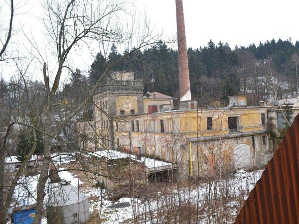 Dnešní stav kdysi výstavního areálu jabloneckého pivovaru ve Vrkoslavicích.
