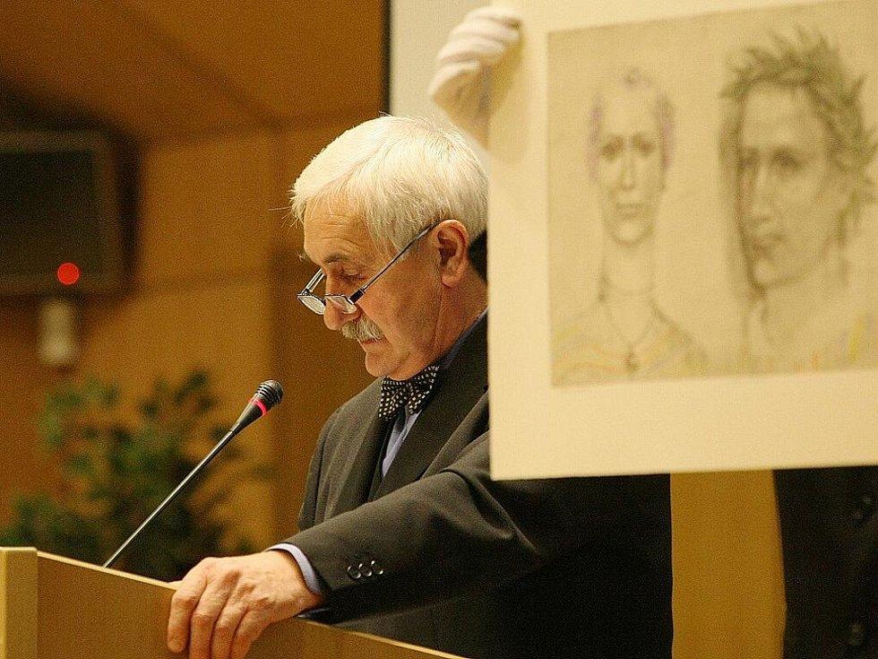 Benefiční aukce Nadace Euronisa. Ze 180 nabízených uměleckých děl se prodaly dvě třetiny, výtěžek činí 703 000 korun.