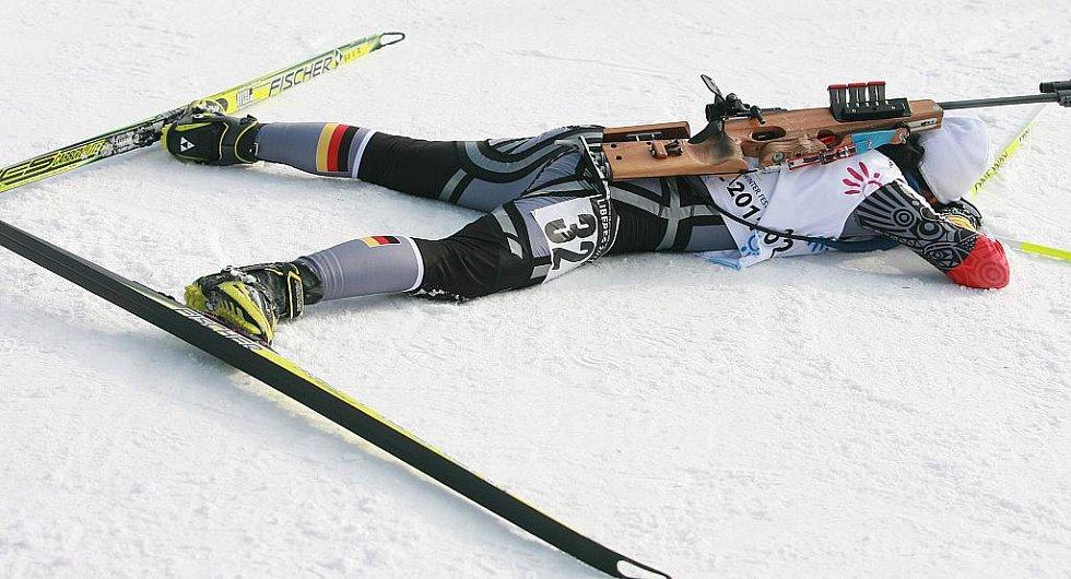 EYOWF 2011. Biatlon - dívky individuálně 10 kilometrů se jel v úterý v jabloneckých Břízkách. Vítězka závodu Laura Dahlmeier (GER).