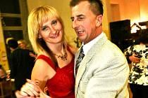 Ples v Lučanech, který ve zdejší sokolovně pořádal v pátek 26. února 2010 místní fotbalový klub za přispění lučanského Městského úřadu, se vydařil.