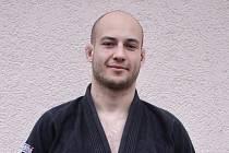 Martin Rapčan je úspěšný závodník jiu jitsu. Pochází z Jablonce, trénoval v Liberci a teď se připravuje v Pardubicích.