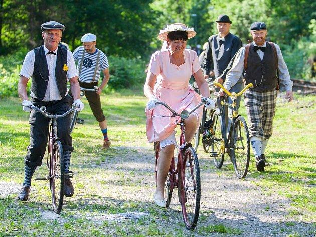 Dvanáctý ročník Spanilé jízdy Cyklostezkou Járy Cimrmana odstartoval 11. června na mostě přes Kamenici v Návarově.