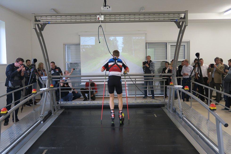 Biatlonisté SKP Kornspitz Jablonec mají zcela nový jedinečný trenažer, díky kterému mohou trénovat za každého počasí. Na snímku Ondřej Moravec.