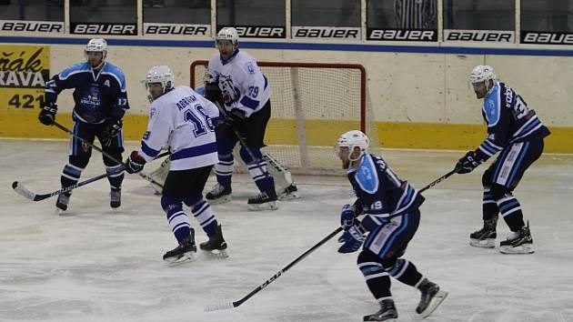 V duelu II. hokejové ligy se střetl domácí Jablonec se soupeřem z Vrchlabí. Diváci si užívali, viděli jedenáct branek.