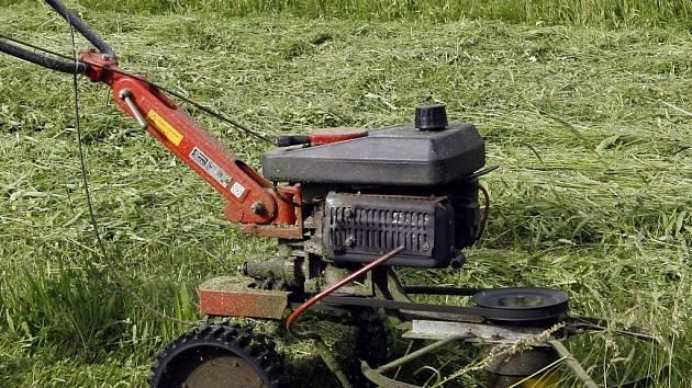 Sekačka trávy. Ilustrační snímek.
